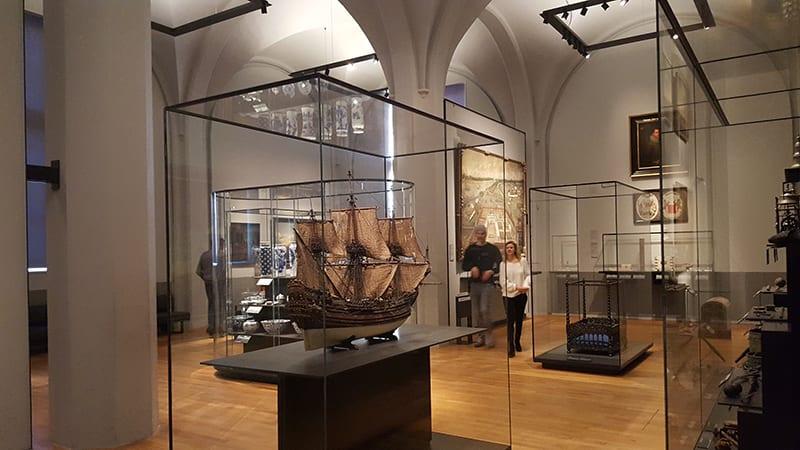 Schiff im Rijksmusuem