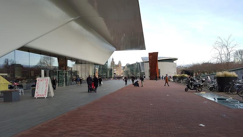 Eingang Stedelijk Amsterdam