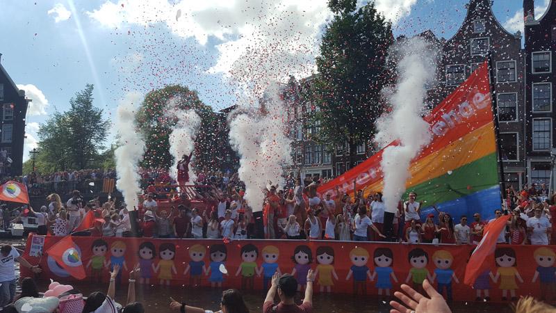 Gay Pride Amsterdam 2016 – Ein Einblick in die Bootsparade